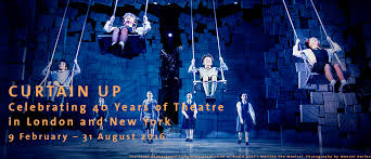 Curtain Up (vam.ac.uk)